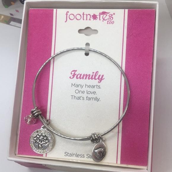7f4b7771fd8e6 🥰Family Charm Bracelet 🥰 NWT